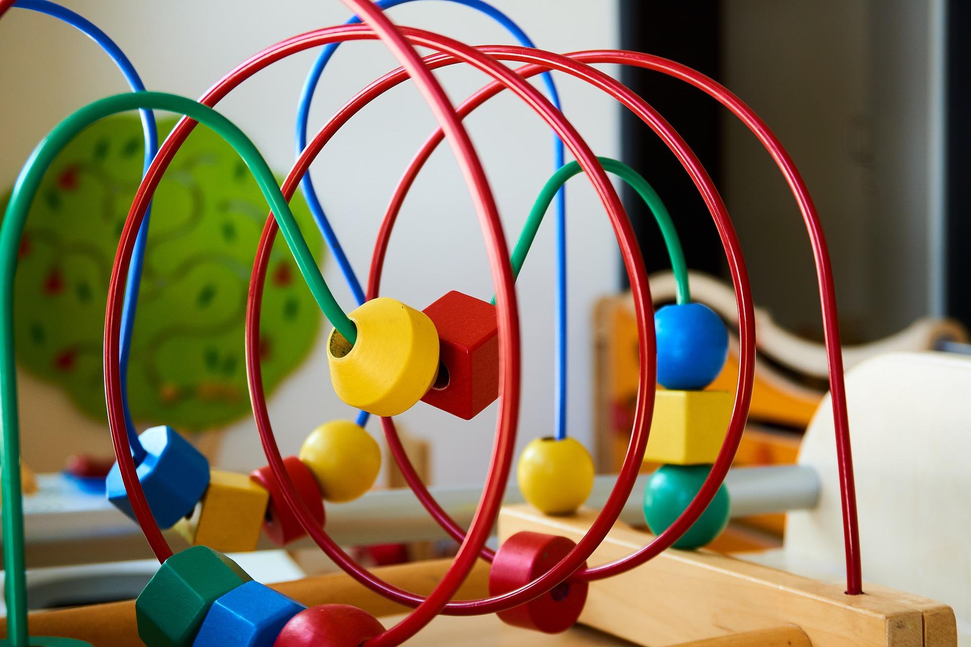 Juguetes de madera para bebés
